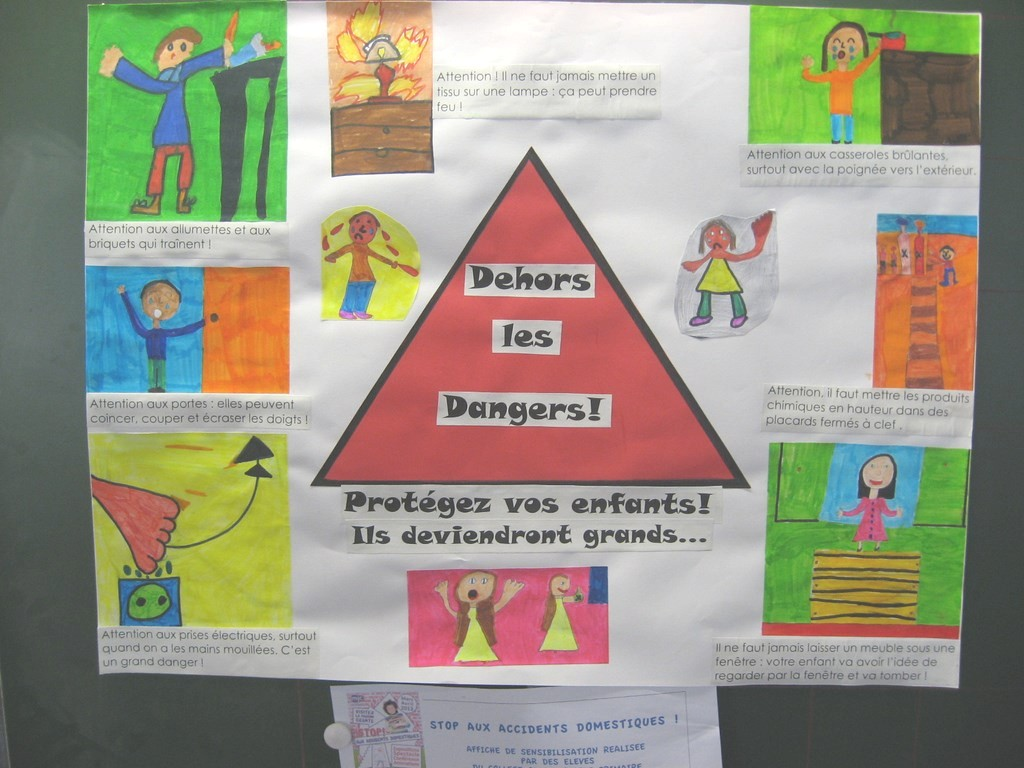 Populaires Accidents Domestiques Maternelle CV98   Montrealeast SO77
