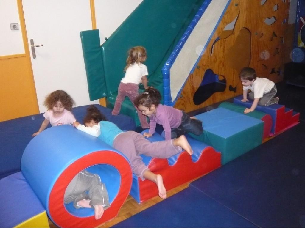 A la maison de l 39 enfant web coles circonscription de for Maison de l enfant echirolles